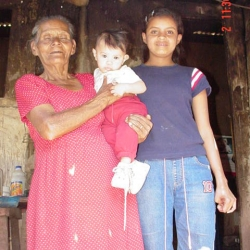 kenia-with-her-grandmother