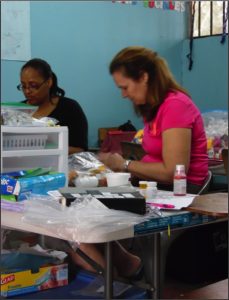We were blessed by our new Pharmacist Marcia Ritter from Victory Highway Church who organized our pharmacy and also she facilitated the meds very fast. She also was able to practice her Spanish with the younger patients and with Glenda who translated for her
